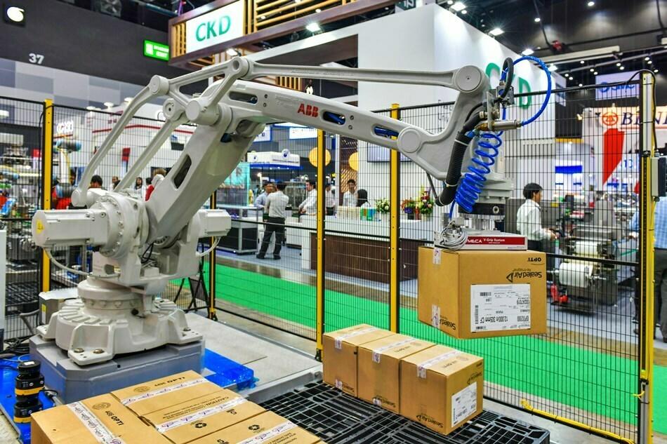 Reskilling, Retail, Employees, Jobs, Automation